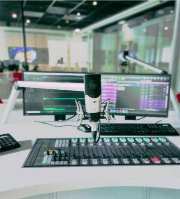 EQUIPAMIENTO DE RADIO